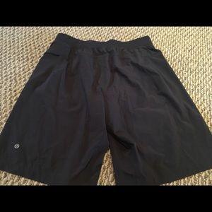 Lululemon Mens Black Shorts, Large!